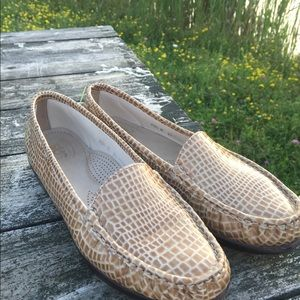 Women's SAS Tripad Tan Texured Leather Shoes 10.5M